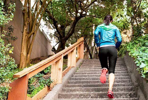 چگونه باسن خود را کوچک کنیم؟ لاغرکردن باسن با ورزش