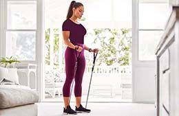 بهترین تمرینات ورزشی با کش برای تقویت کل بدن در خانه