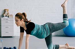 بهترین حرکات ورزشی در دوران بارداری در خانه (با تصاویر متحرک)
