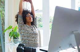 ورزش در محل کار؛ 8 حرکت ساده ورزشی برای پشت میز نشینان