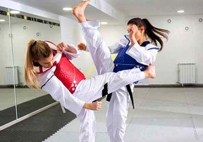 مناسب ترین ورزش رزمی برای خانمها کدام است